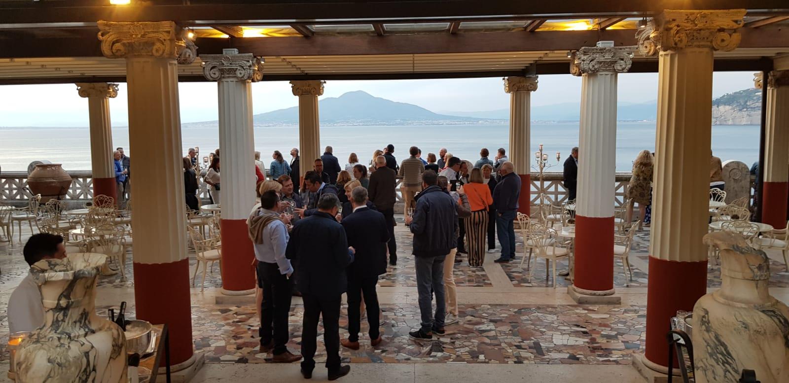 Immagine Azienda gas e petrolio – Napoli e Costiera Amalfitana – 320 persone – Incentive